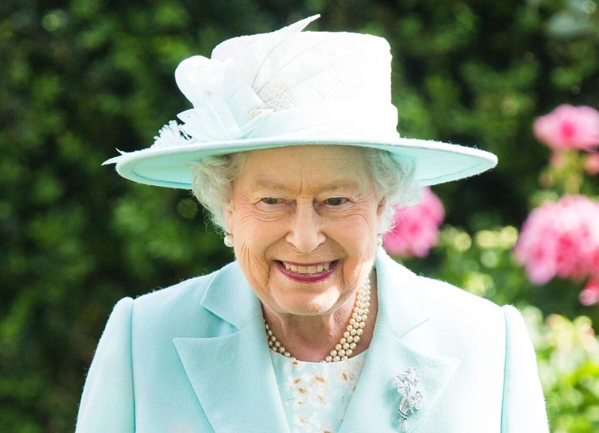 Longest reign Elizabeth II of Britain acceded to the throne on Feb. 6, 1952, upon the death of her father, George VI. That's 64 years and counting, the longest reign of any British monarch.