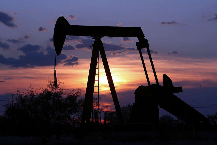 File art on an oil well pump in West Texas. Photo: DELCIA LOPEZ /EXPRESS-NEWS FILE PHOTO / SAN ANTONIO EXPRESS-NEWS