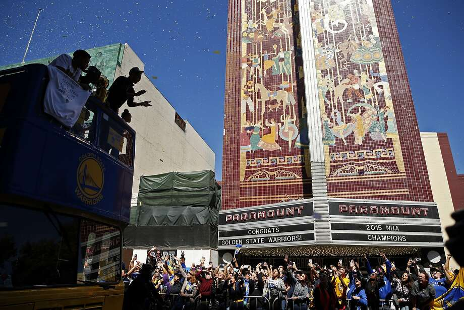Stephen Curry applauds the crowd during Golden State Warriors' victory parade down Broadway in Oakland, Calif., on Friday, June 19, 2015. Photo: Scott Strazzante, The Chronicle
