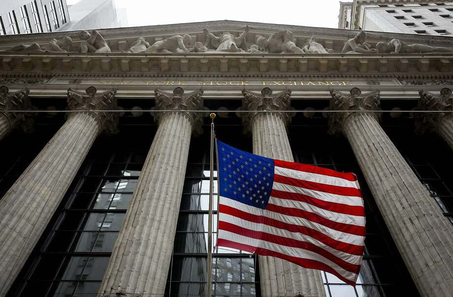 Rising interest rates, expected this year in the U.S., will reflect a strengthening in global markets, including the New York Stock Exchange. Photo: Eric Thayer, Getty Images