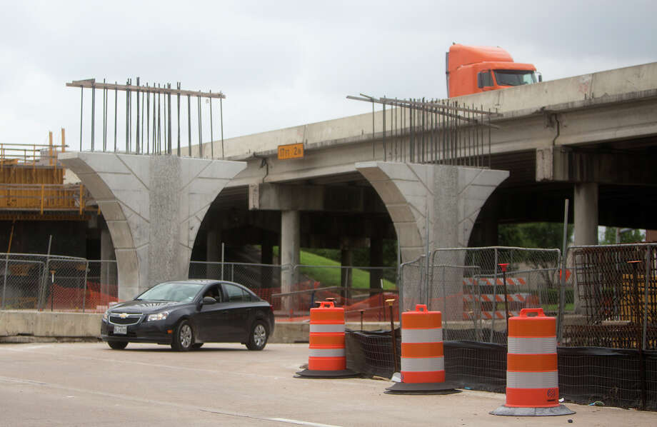 A Woodlands-based contractor, Tradeco, part of a larger Mexican company, defaulted on its part of the big U.S. 290 expansion project between Pinemont and West Little York. Photo: Cody Duty, Houston Chronicle / © 2015 Houston Chronicle
