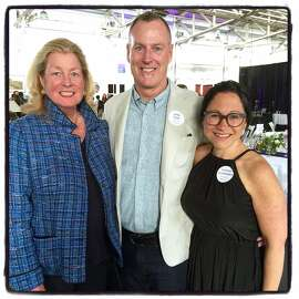 Bonhams Chairman Laura Pfaff (left) with Headlands trustee Chris Deam and Executive Director Sharon Maidenberg at the Headlands Art Auction.