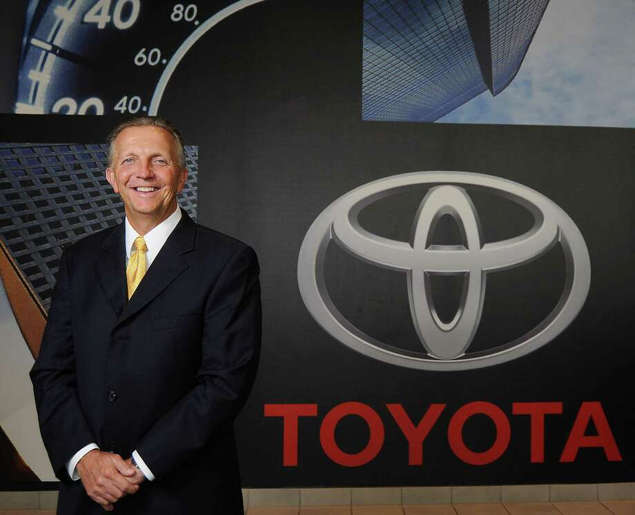 Dealers hope car sales remain hot in 2015 - Houston Chronicle