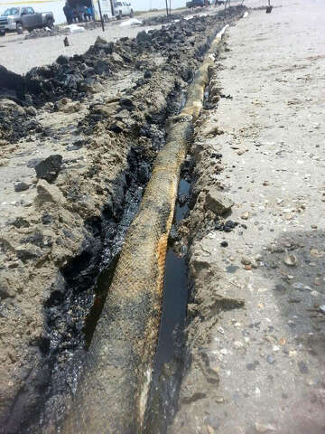 Oil seepage nears 100 gallons on Bolivar Peninsula - SFChronicle com