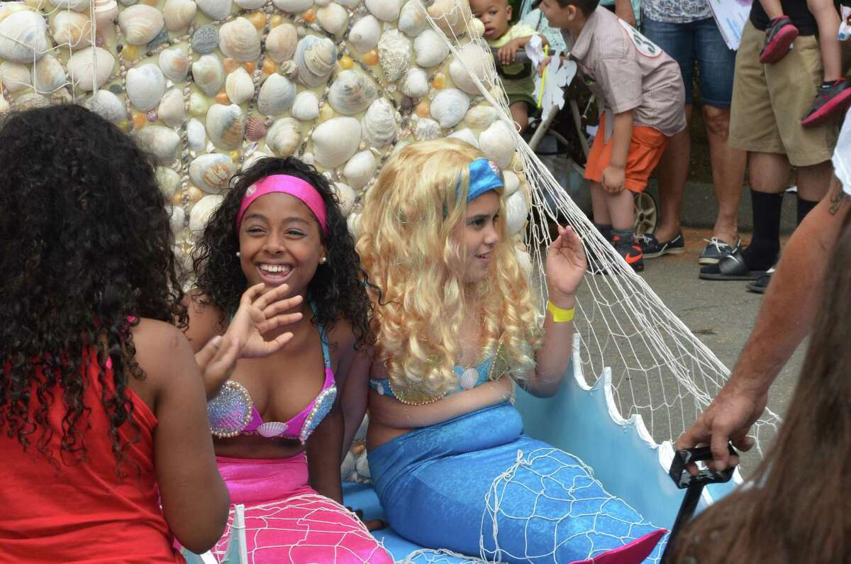 The Barnum Festival Wing Ding Parade featured costumed kids on floats competing for the best outfits. The parade was held on June 20, 2015 at the Beardsley Zoo in Bridgeport. Were you SEEN?