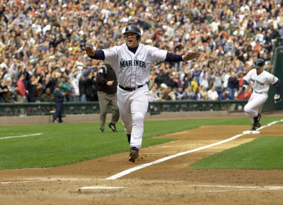 BEST: 2001's 116-win regular season The 2001 Mariners were on a tear during the regular season, setting the AL record for wins with a whopping 116. The team was utterly dominant, leading the MLB in runs while holding opponents to the fewest in the league. This is the gold standard for the franchise - and one they've yet to come close to since.