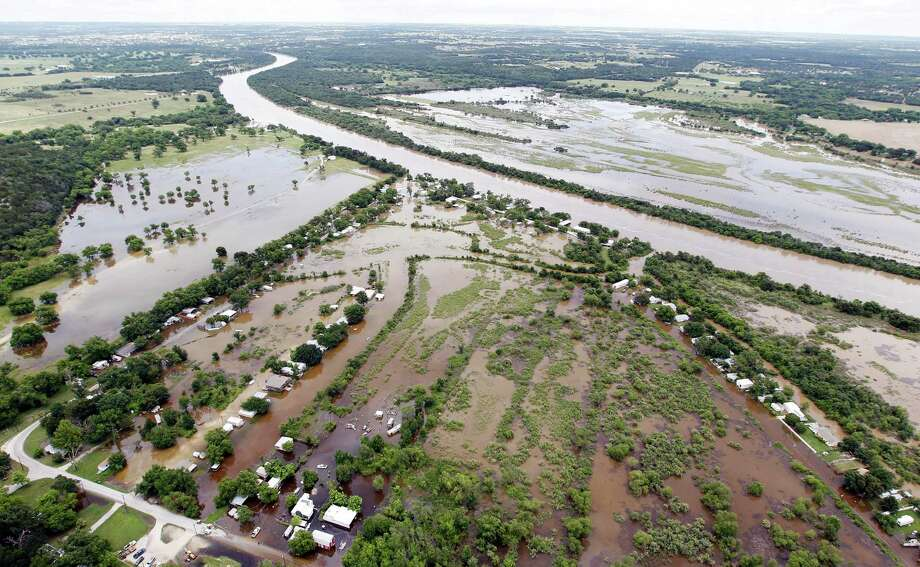 Major flood events such as the ones currently affecting many Texas rivers, including the upper Brazos River, are crucial to the health of river ecosystems, bringing both destruction and rejuvenation to the rivers and adjacent land. Photo: Brandon Wade, FRE / FR168019 AP
