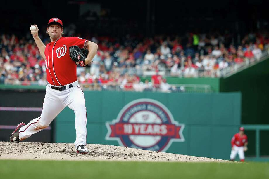 WASHINGTON, DC - JUNE 20:  Starting pitcher Max Scherzer #31 of the Washington Nationals throws to a Pittsburgh Pirates batter in the eighth inning of Scherzer's no hit 6-0 win at Nationals Park on June 20, 2015 in Washington, DC.  (Photo by Rob Carr/Getty Images) ORG XMIT: 538583155 Photo: Rob Carr / 2015 Getty Images