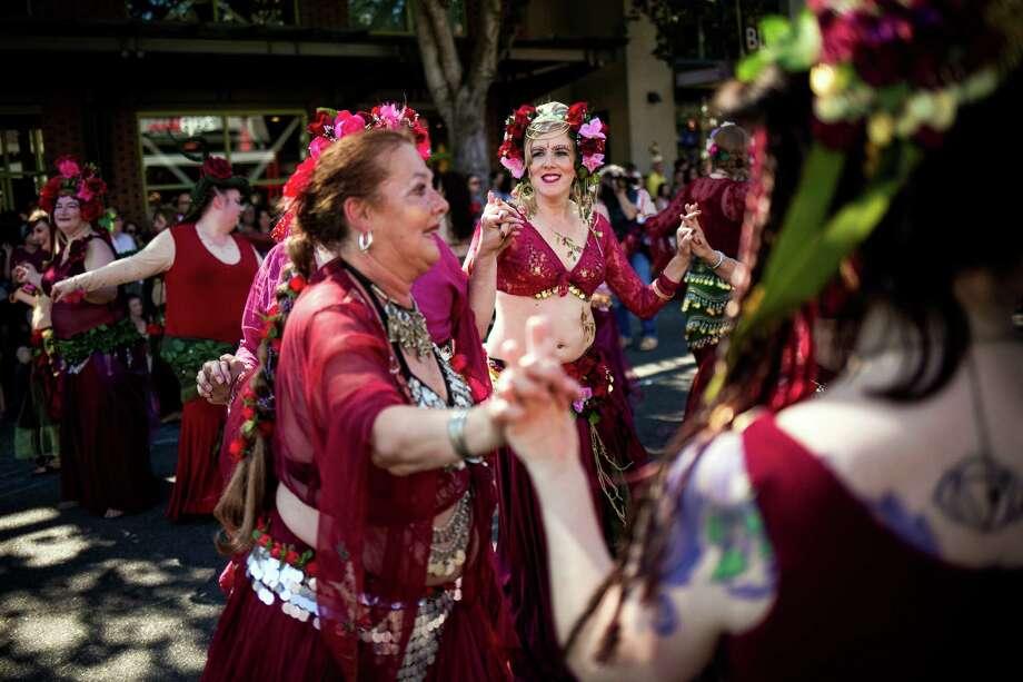 Belly dancers perform for thousands. Photo: JORDAN STEAD, SEATTLEPI.COM / SEATTLEPI.COM
