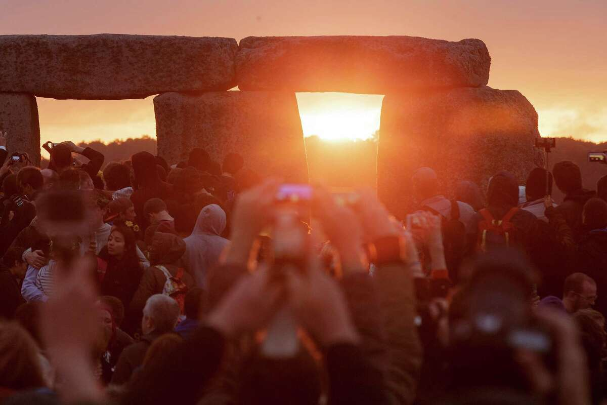 Stonehenge At Stonehenge in England, worshipers have come for the solstice for about 5,000 years. Someone who stands in the center and faces northeast through the entrance will see the sun rise perfectly over the Heel Stone.In Norse societies, where the sun would not set on this day, parades were held.