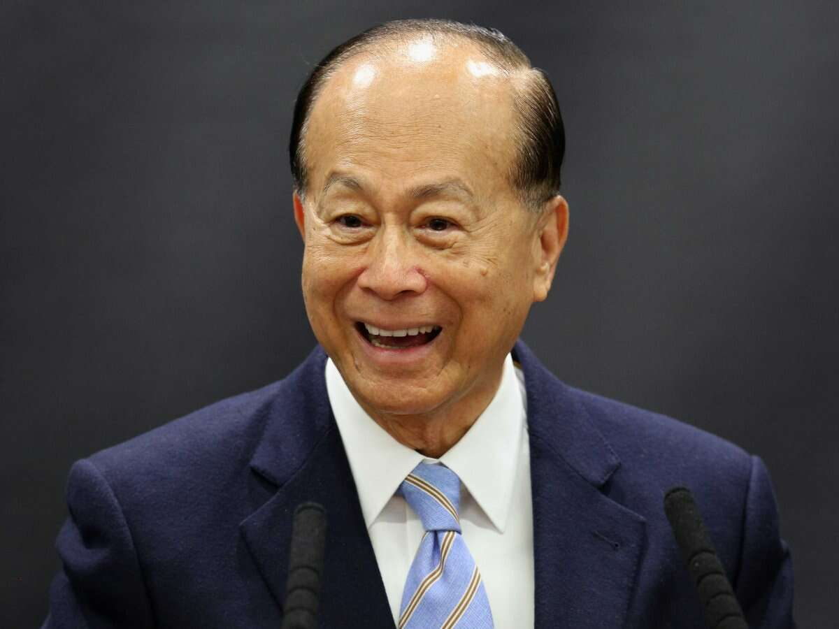 24. Li Ka-Shing Estimated net worth: $20.1 billion Source of wealth: He's known for investing in new, blossoming tech startups and was an early Facebook backer. Recently, the company he chairs, Hutchison Whampoa, bought the UK's second-largest mobile operator, O2. Last year he invested $23 million in plant-based egg-replacement company Hampton Creek through his firm Horizon Ventures.