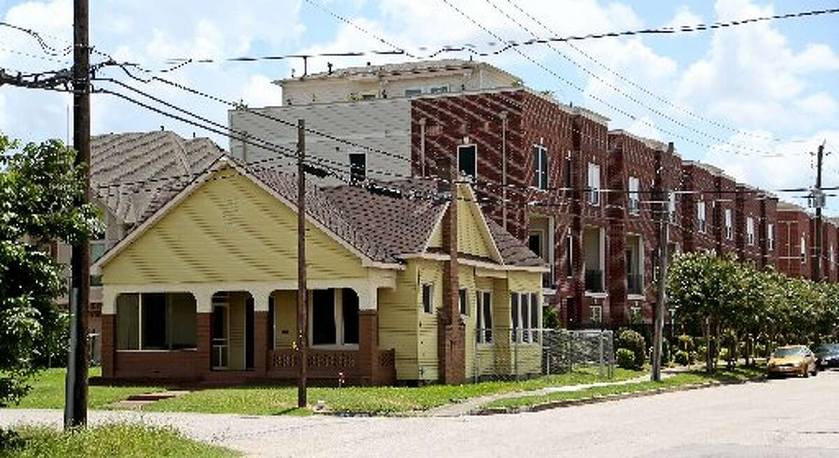 MOST EXPENSIVE: 9) 77004: Greater Third Ward No. of units: 3327 Median rent: $1,600