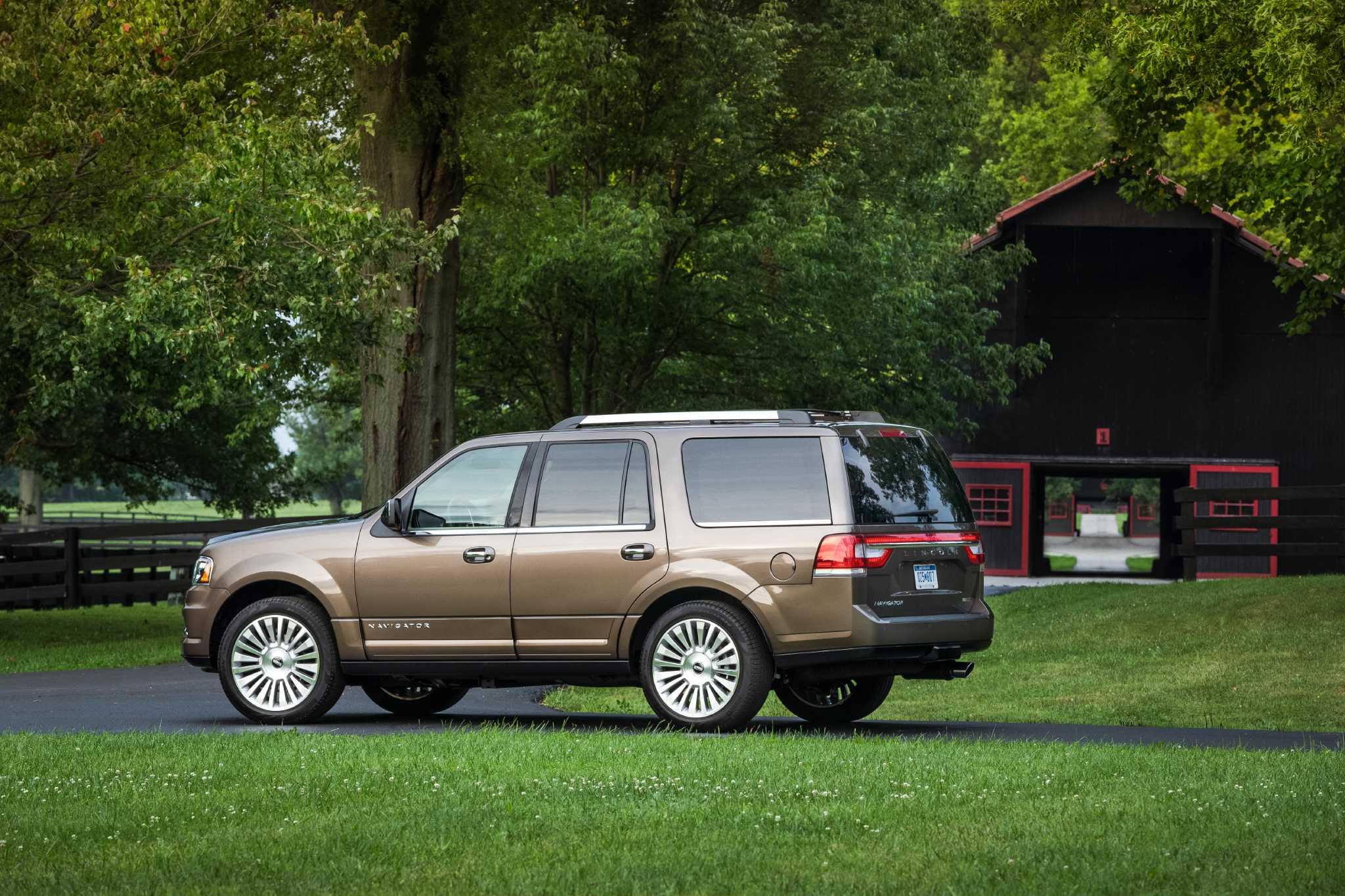 2015 Lincoln Navigator: Navigating new luxury waters