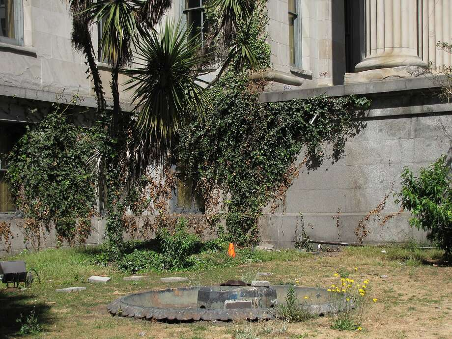 The Old U.S. Mint, built in 1874, sits empty and neglected even though the City of San Francisco owns it and awarded it in 2003 to a historical society that hoped to restore it as a museum, but couldn't raise the necessary funds. Photo: John King, The Chronicle
