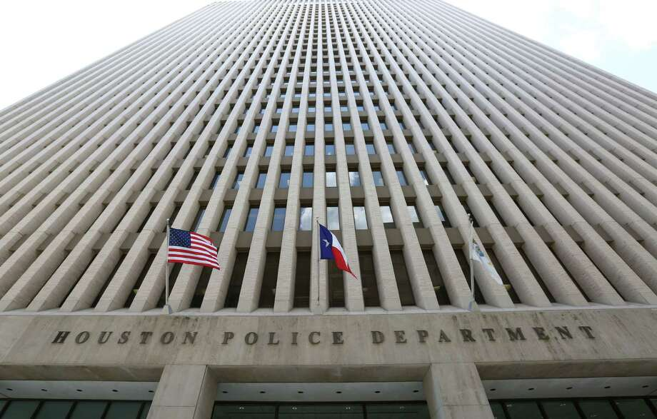 The Houston Police Department headquarters at 1200 Travis St., in Houston. ( Jon Shapley / Houston Chronicle ) Photo: Jon Shapley, Staff / © 2015 Houston Chronicle