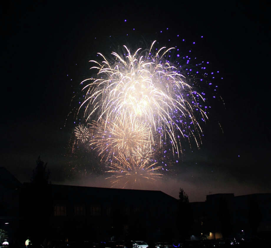 The annual fireworks display at Darien High School will take place on Friday night, July 3. Photo: File Photo / ST / Darien News