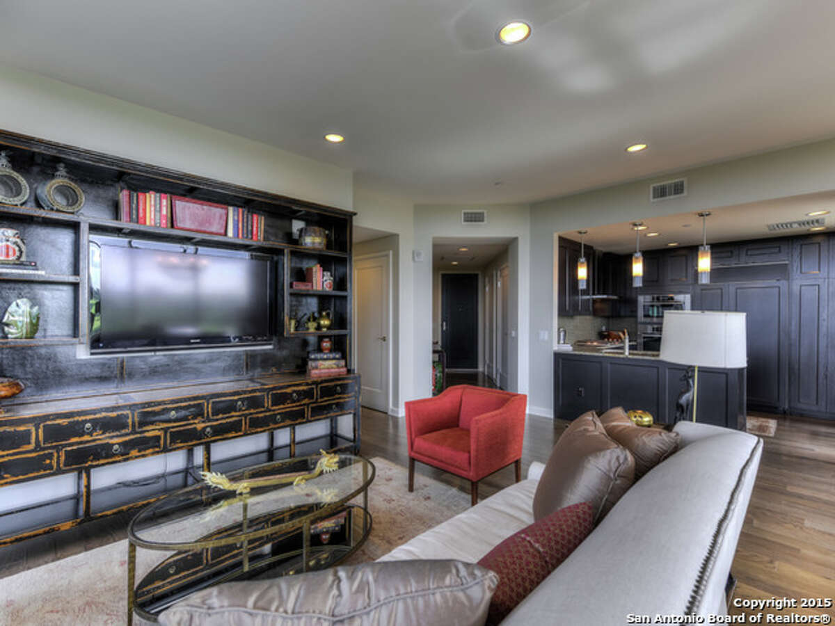 1. Unit 1001 Price:$1,100,000 Bedrooms:2 Bathrooms:2 Square footage:1,882 MLS:1121985