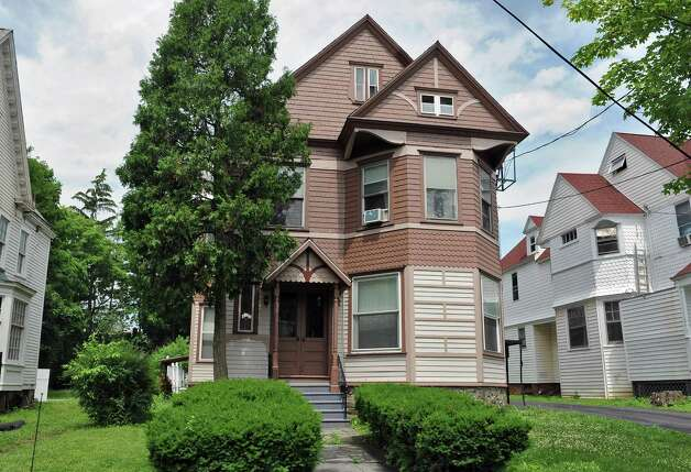 Victorian style house at 113 So. Lake Avenue Tuesday June 23, 2015 in Albany, NY.  (John Carl D'Annibale / Times Union) Photo: John Carl D'Annibale / 00032363A