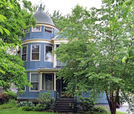 Victorian style house at 10 N. Pine Avenue Tuesday June 23, 2015 in Albany, NY.  (John Carl D'Annibale / Times Union) Photo: John Carl D'Annibale / 00032363A