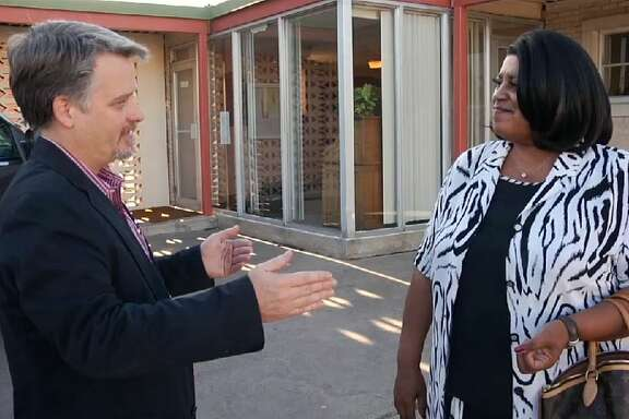 Chris Tomlinson meeting Loreane Tomlinson, mother of football star LaDainian Tomlinson, for the first time in 2009 outside the City Hall in Marlin, Texas, 150 miles northwest of Houston. The two Tomlinsons were featured in a documentary about race relations in small-town Texas called Tomlinson Hill.