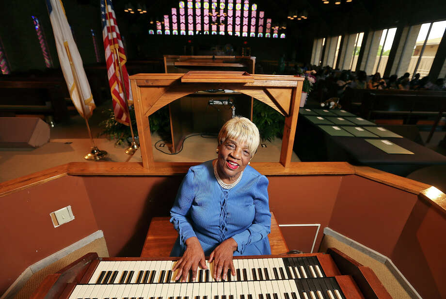"Doloris ""Mama Dee"" Williams photographed June 1, 2015, at Antioch Missionary Baptist Church. Photo: Edward A. Ornelas /San Antonio Express-News / © 2015 San Antonio Express-News"