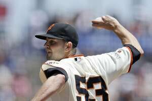Giants Splash: Buster Posey leaves game unexpectedly - Photo