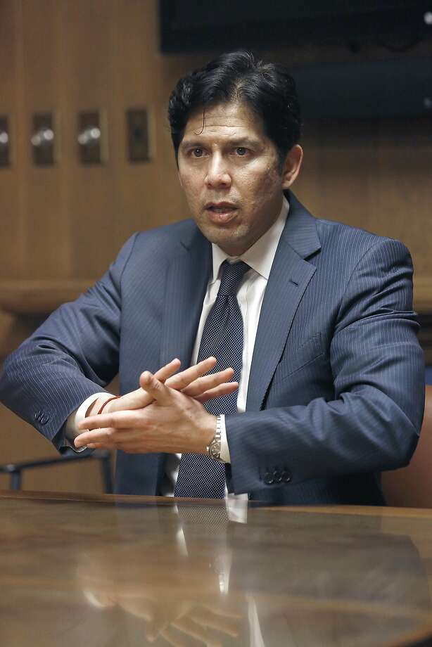 Senate President pro Tempore Kevin de León visits the Chronicle in San Francisco, Calif., on Friday, June 26, 2015 Photo: Liz Hafalia, The Chronicle