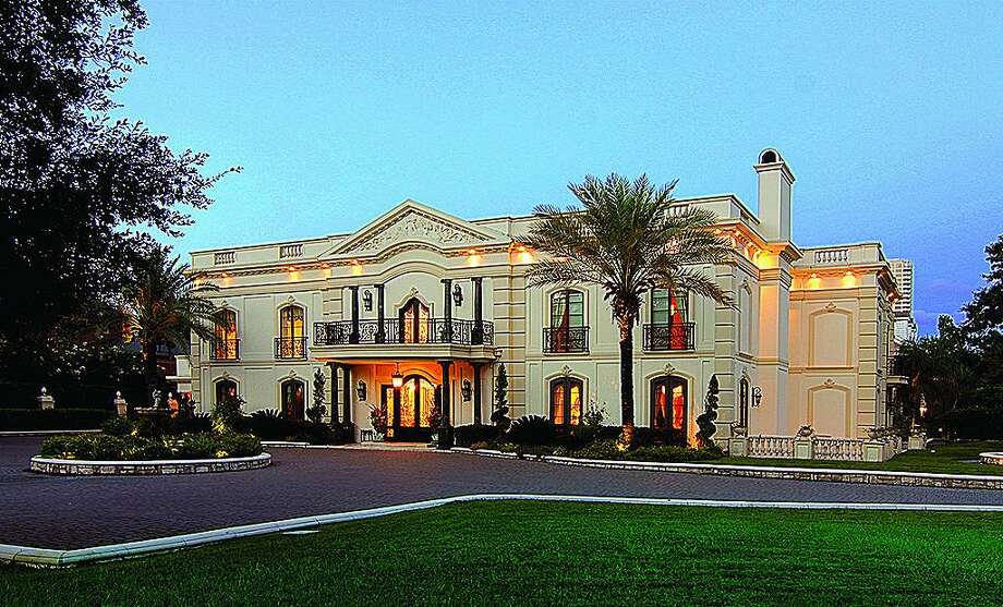 2115 River Oaks Blvd. in Houston: $17,900,000 / 8 bedrooms / 9 full and 3 half bathrooms / 21,500 square feet