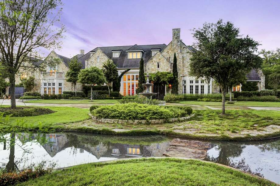 2010 Weatherby Lane: $3.999 million / 6 bedrooms / 8 full and 1 half bathrooms / 18,477 square feet