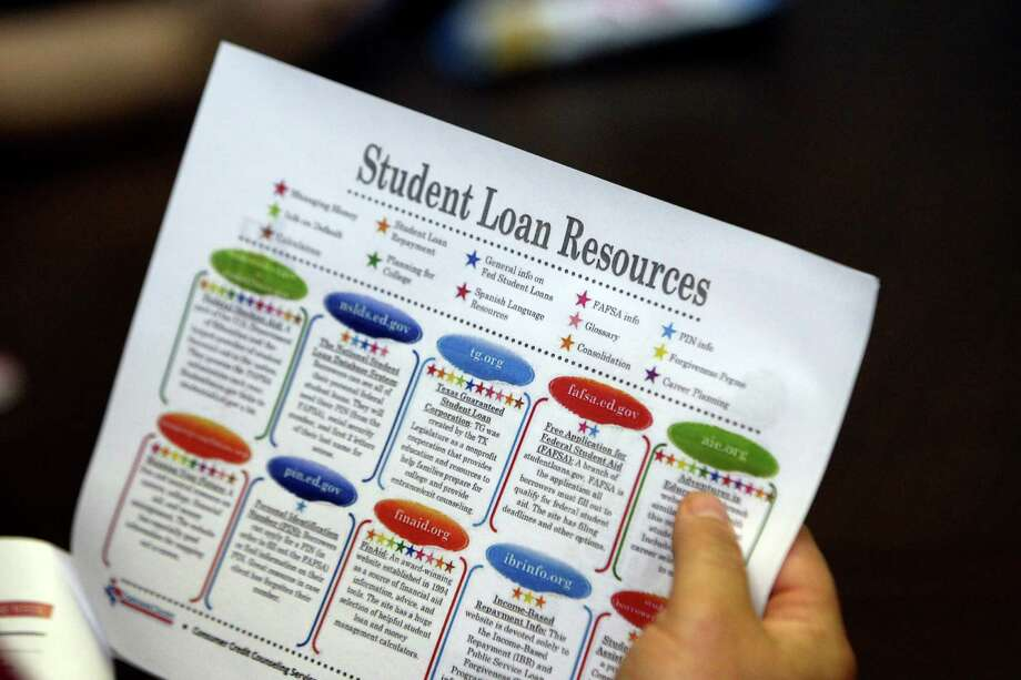 Most private loans require students to have a co-signer, often a parent or grandparent. And having someone else's name on the loan can help you get a lower interest rate. But experts say families should be careful of this arrangement. Photo: Express-News File Photo / ©SAN ANTONIO EXPRESS-NEWS