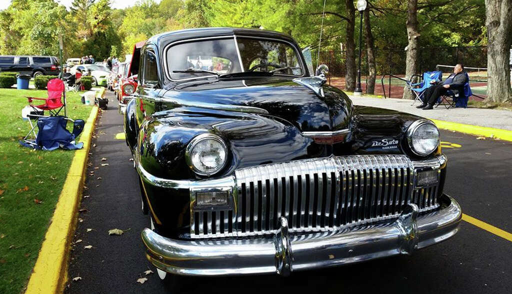 Classic car lover honored with Brewster auto show - NewsTimes