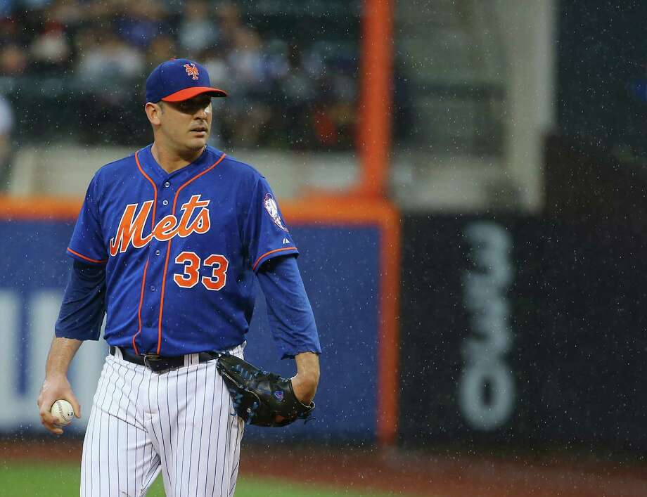 NEW YORK, NY - JUNE 27:  Matt Harvey #33 of the New York Mets waits to pitch against the Cincinnati Reds during their game at Citi Field on June 27, 2015 in New York City.  (Photo by Al Bello/Getty Images) ORG XMIT: 538584695 Photo: Al Bello / 2015 Getty Images