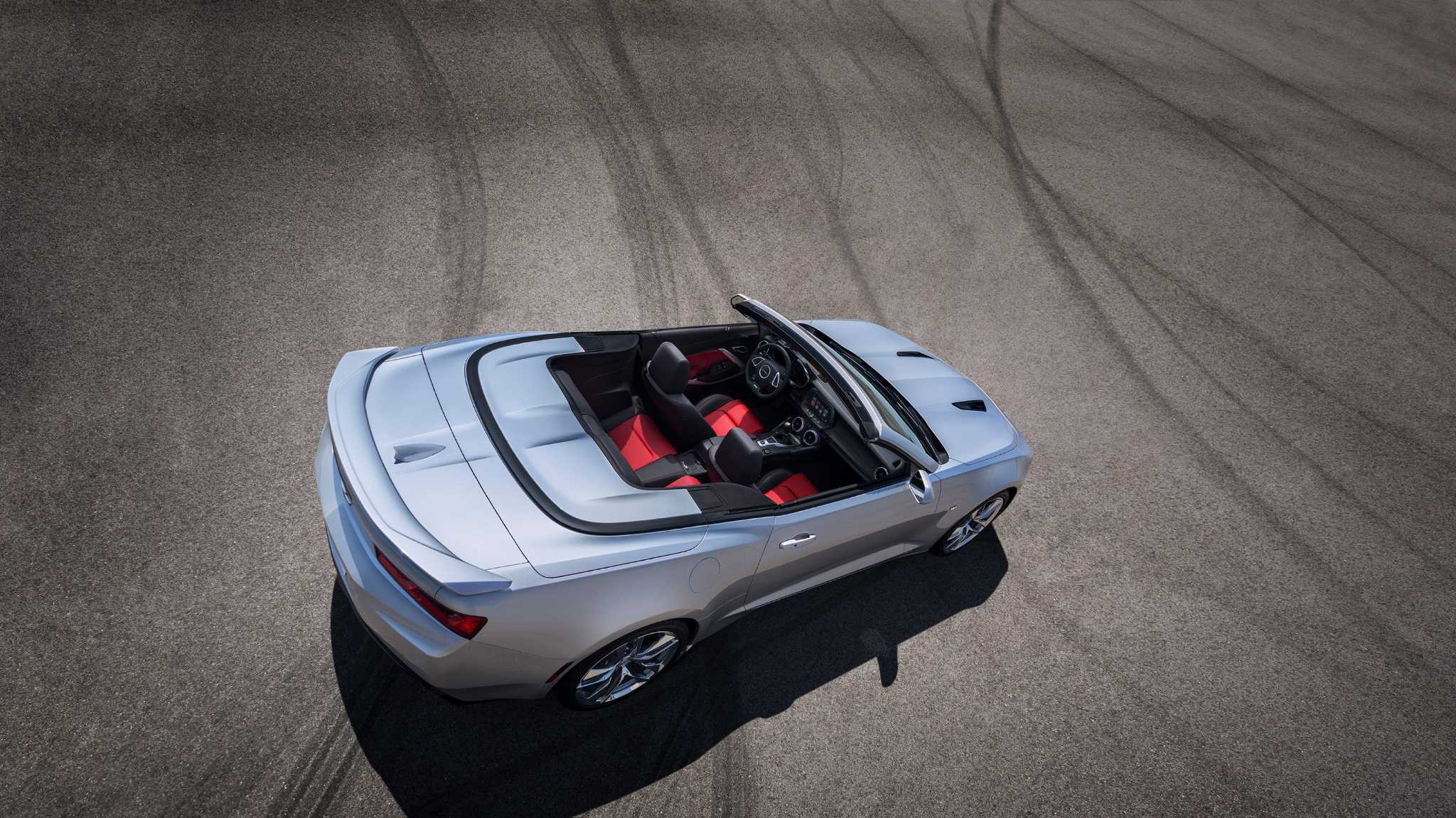 Chevrolet pulls the curtain back on the 2016 convertible Camaro