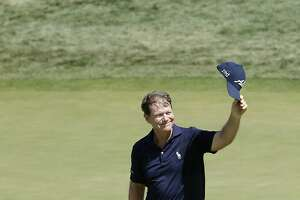 U.S. Senior Open notebook: Watson pumped after birdie finish - Photo