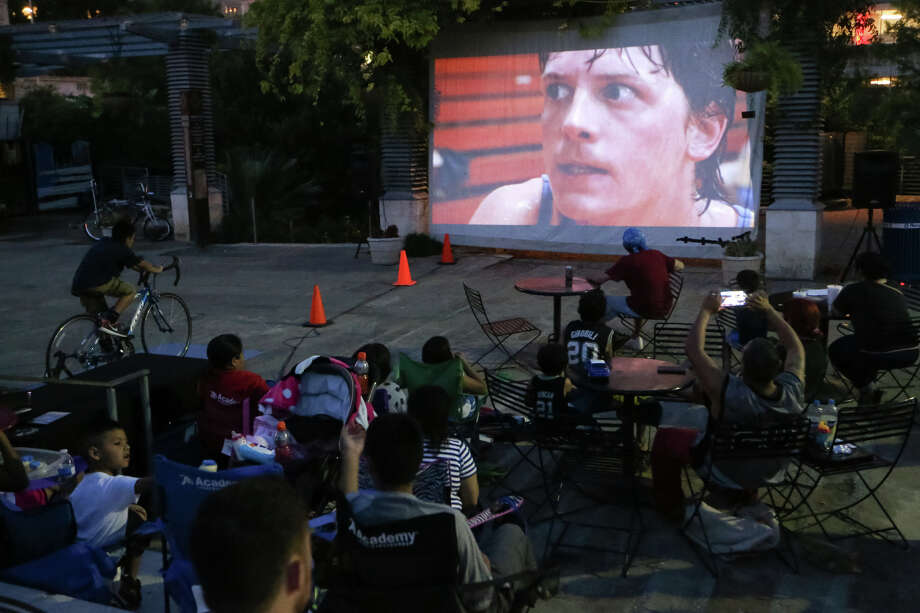 From Movies by Moonlight in Travis Park to Cycle-In Cinema at Main Plaza and beyond, our season for free films blooms when warm temperatures roll in to town. Here's a peak at what's screening, in a theater or out on a lawn, for absolutely free. Photo: Marvin Pfeiffer, San Antonio Express-News / Express-News 2015