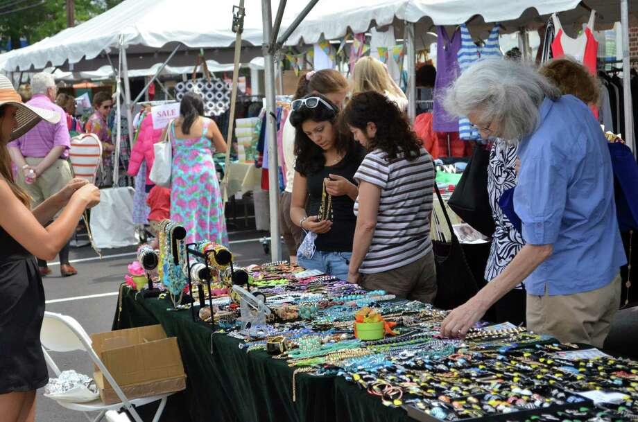 The Darien Sidewalk Sales and Family Fun Days will run from July 9-11, 2015. Photo: Megan Spicer / Megan Spicer / Darien News
