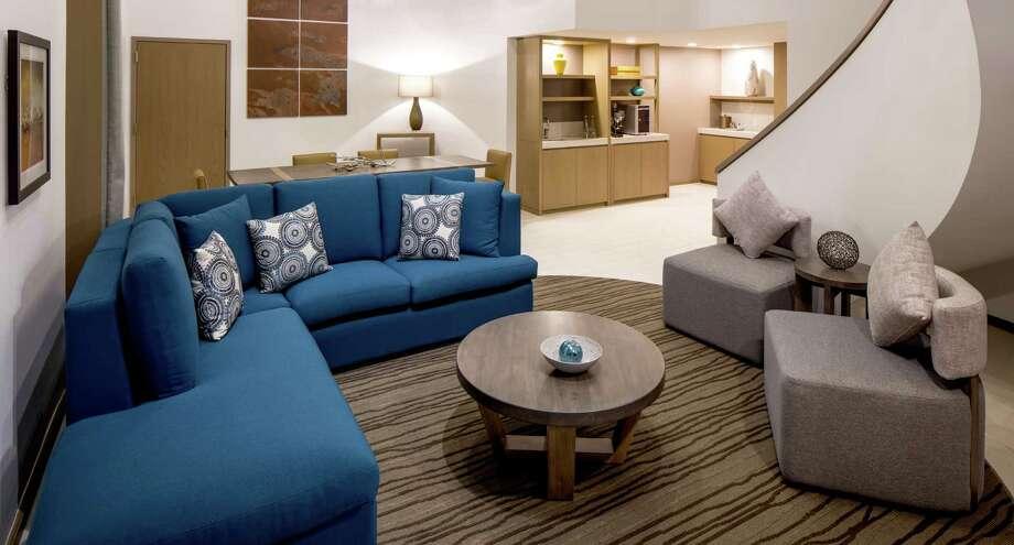 Houston 39 S Poshest Hotel Suites Houston Chronicle