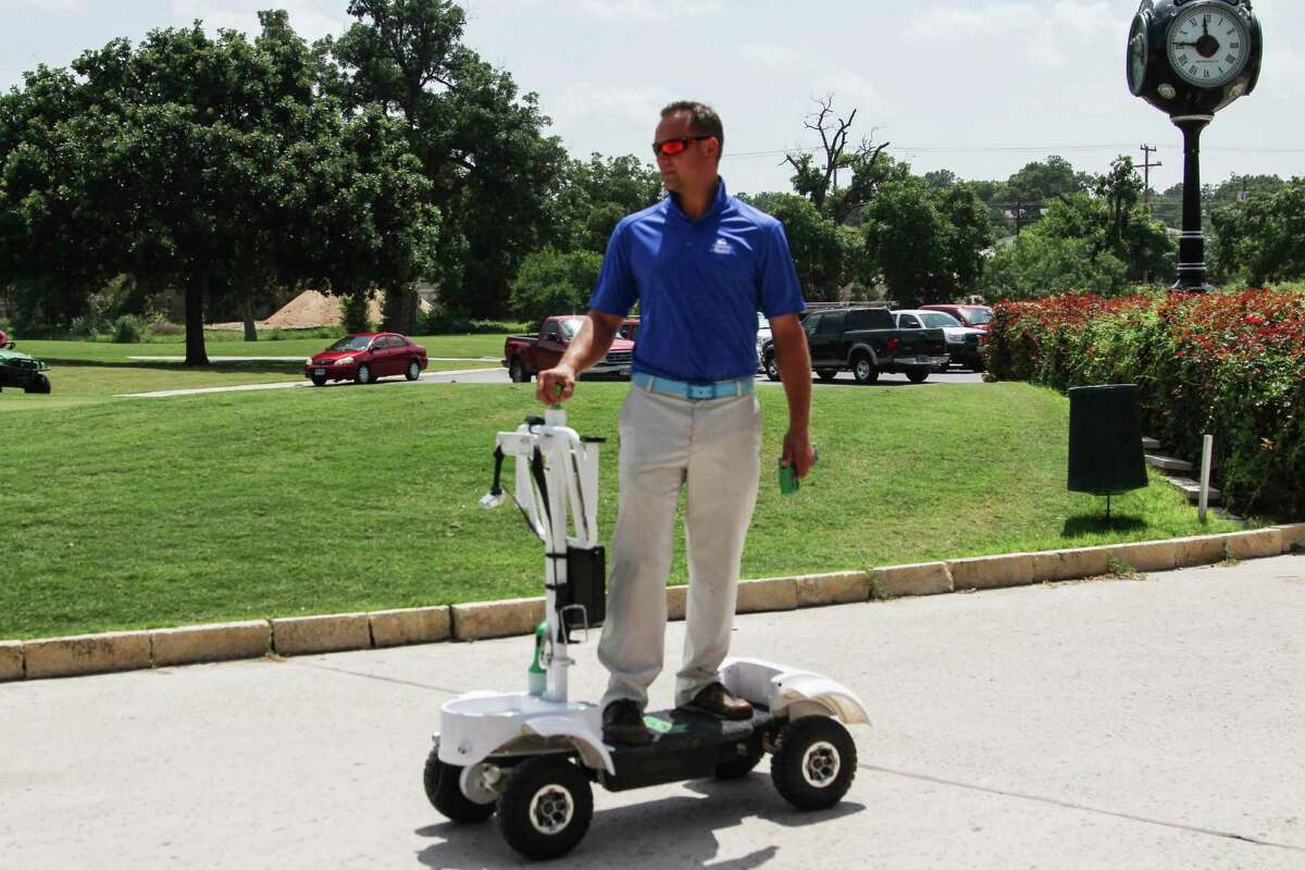 The Golf Skate Caddy acts like a skateboard and allows users to zoom across the golf course.
