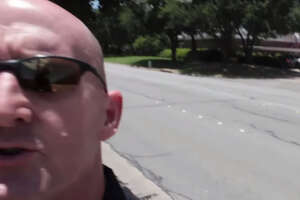Texas man sues police after confrontation caught on camera - Photo