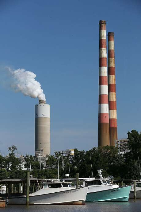 Emissions spew at a coal-fired generating station in Maryland. Photo: Mark Wilson, Getty Images
