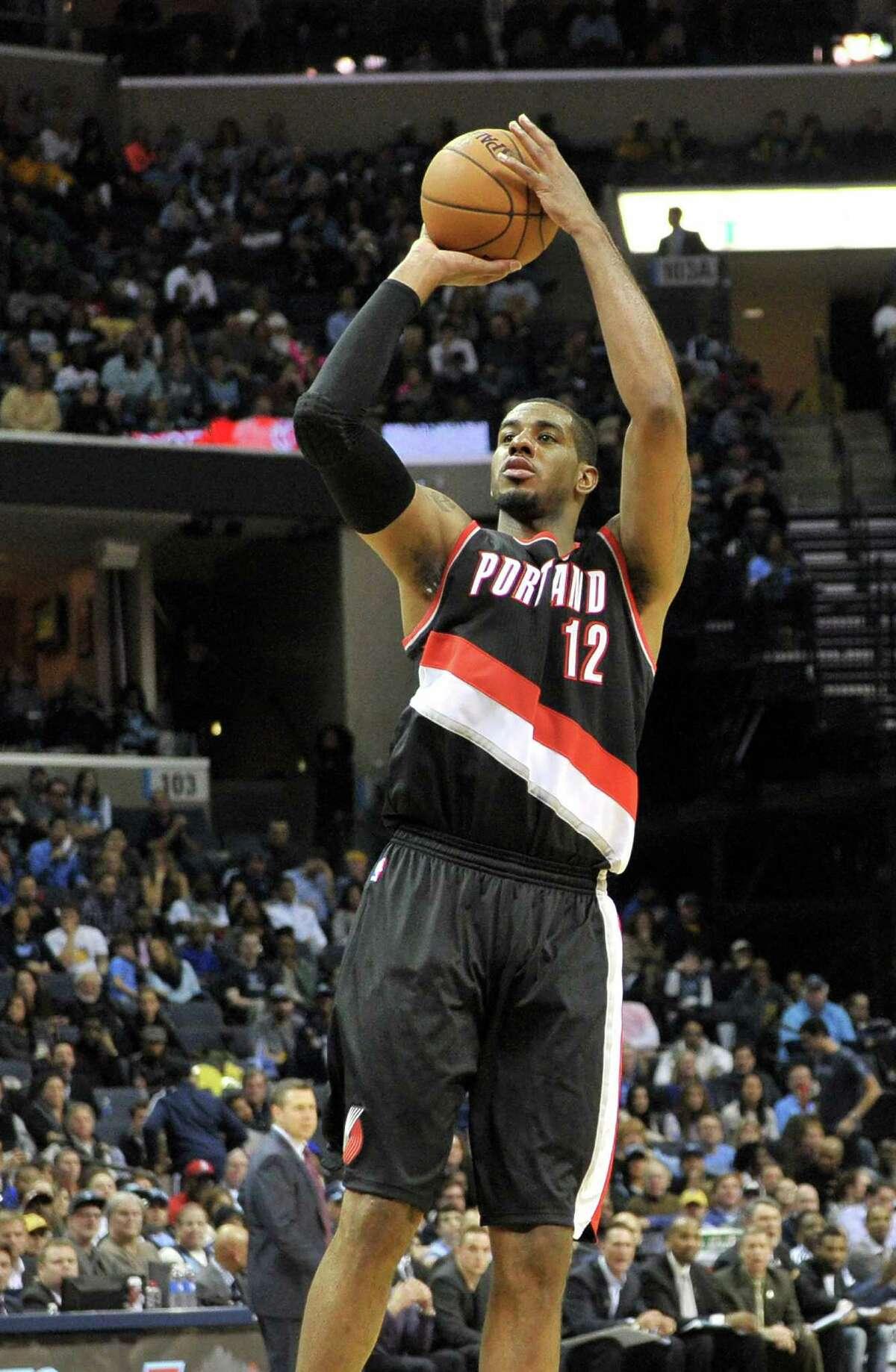 Portland Trail Blazers forward LaMarcus Aldridge (12) plays in the first half of an NBA basketball game Saturday, Jan. 17, 2015, in Memphis, Tenn.