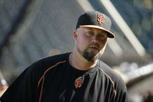 Giants Splash: McGehee cut again, team promotes Adrianza - Photo