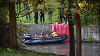 River Walk passerby discovers floating body - Photo