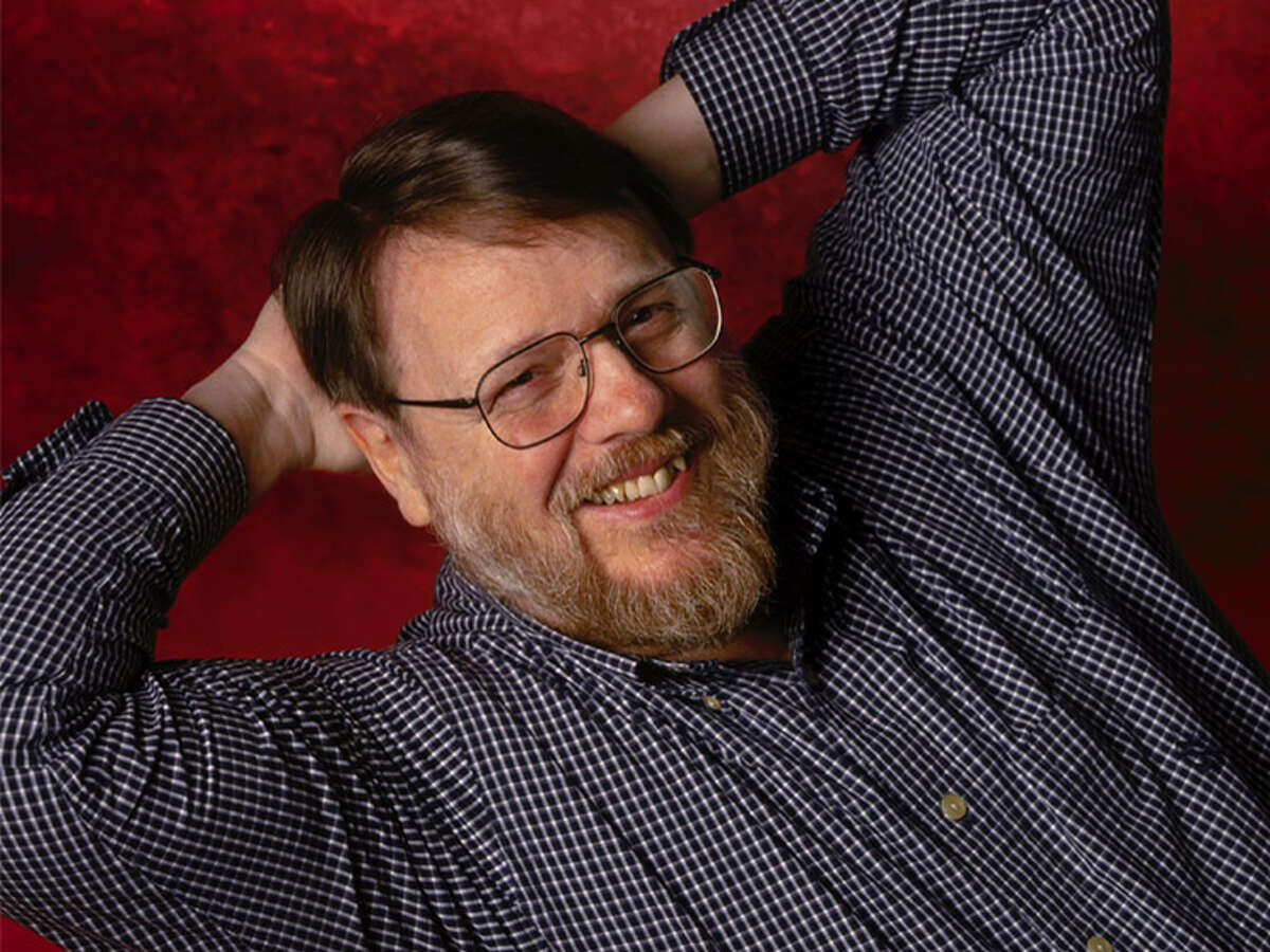 Ray Tomlinson Rensselaer Polytechnic Institute, class of 1963 B.S., Electrical Engineering Before there was the Internet, there was a mail system called ARPANET and in 1971 Tomlinson was the first one to successfully send messages from one computer to the other thus creating the