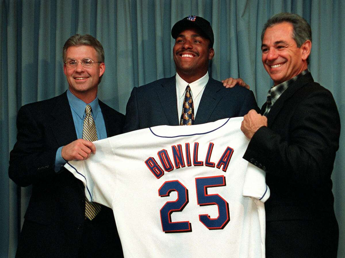PHOTOS: Some of sports' worst contracts In trying to drop Bobby Bonilla's $5.9 million salary from the 2000 payroll, the Mets deferred payment for 11 years with 8 percent interest. That will net Bonillla nearly $30 million, as he receives $1.2 million each July 1 through 2035.For other infamous sports contracts, browse through the photos above ...