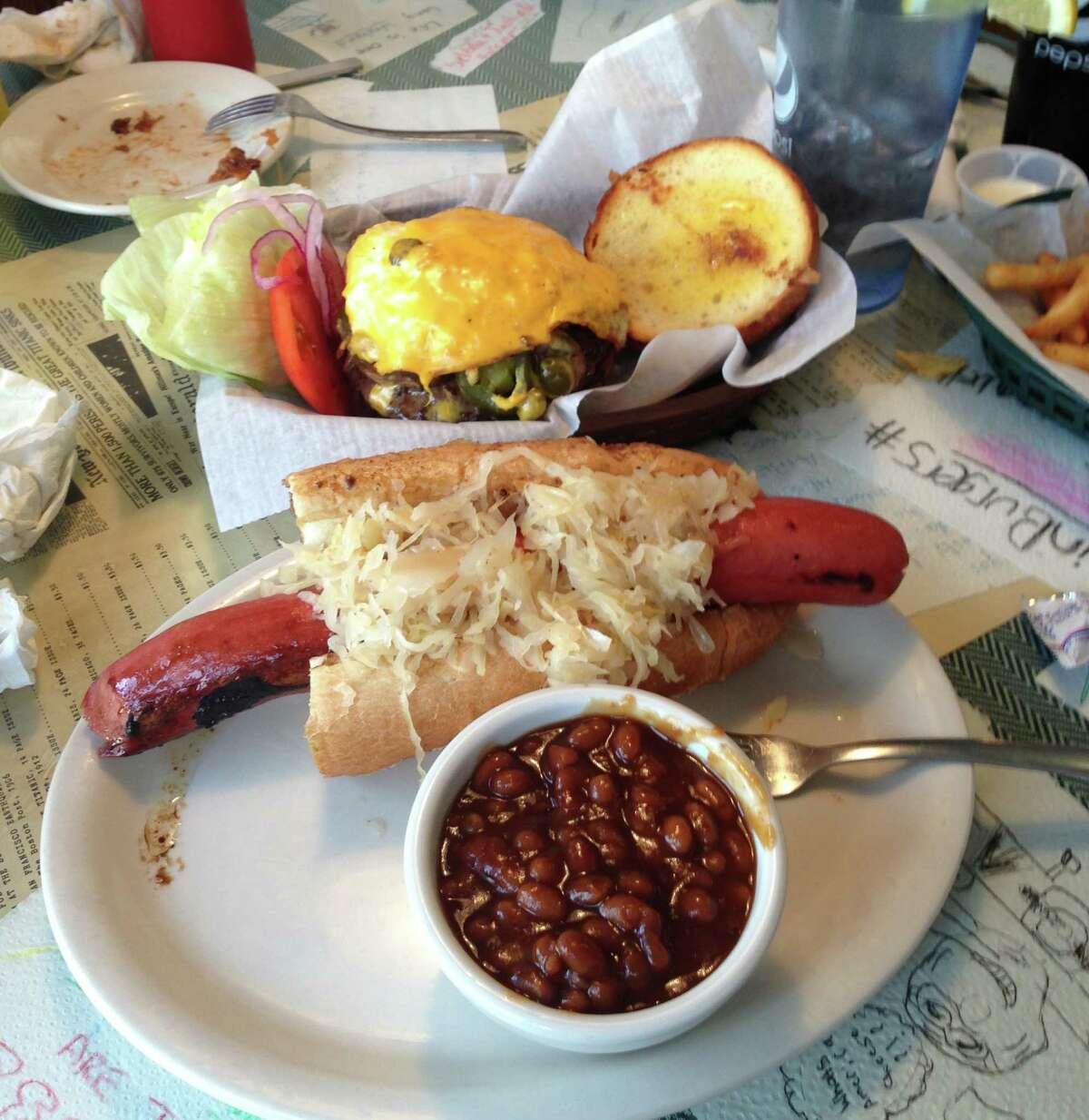 9. Brook's Gourmet Burgers and Dogs - Naples, Florida (874 reviews on TripAdvisor)