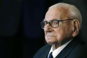 Sir Nicholas Winton, savior of Jewish children, dies at 106 - Photo