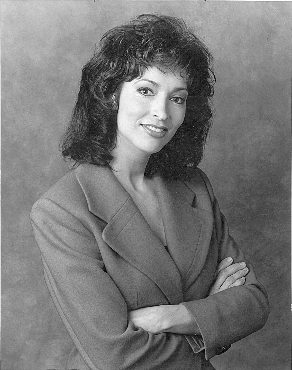 Lynne Russell, former KENS-TV anchor (undated)