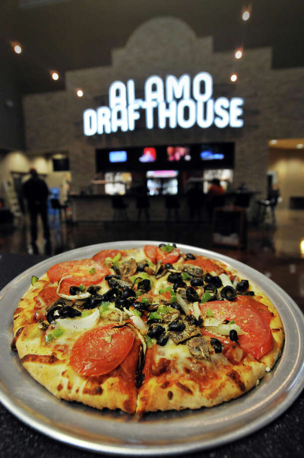A Godfather Pizza from the Alamo Drafthouse ini Stone Oak. Photo: Robin Jerstad /Special To The Express-News / Copyright 2010 by Robin Jerstad, Jerstad Photographics LLC, all rights reserved, www.JerstadPhoto.com