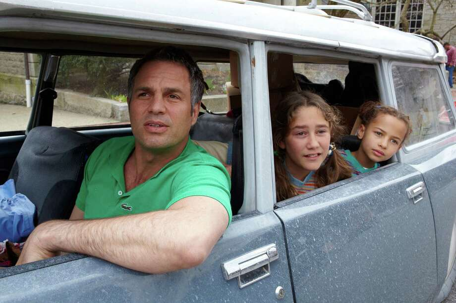"Mark Ruffalo as Cam Stuart, Imogene Wolodarsky as Amelia Stuart and Ashley Aufderheide as Faith Stuart on the set of ""Infinitely Polar Bear."" (Claire Folger/Sony Pictures Classics/TNS) Photo: Handout, HO / TNS"